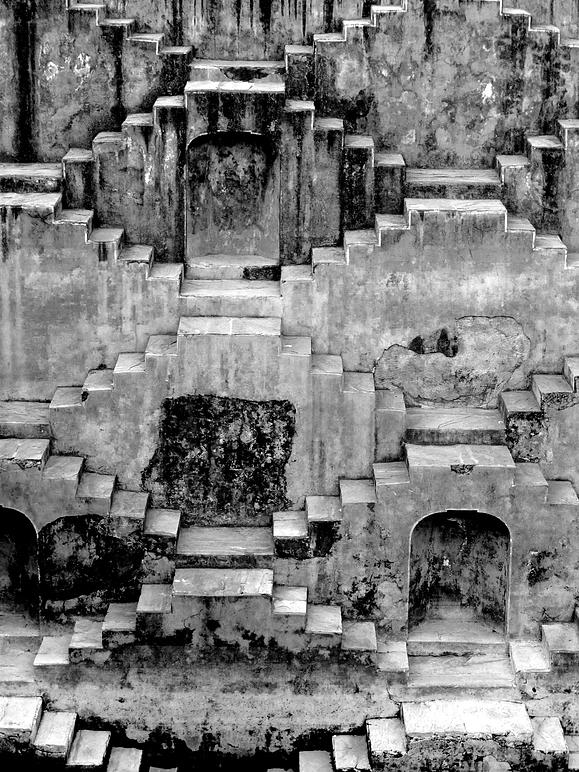 escaliers a chand baori pour illustrer le portrait de métier de Mélanie Chagneau