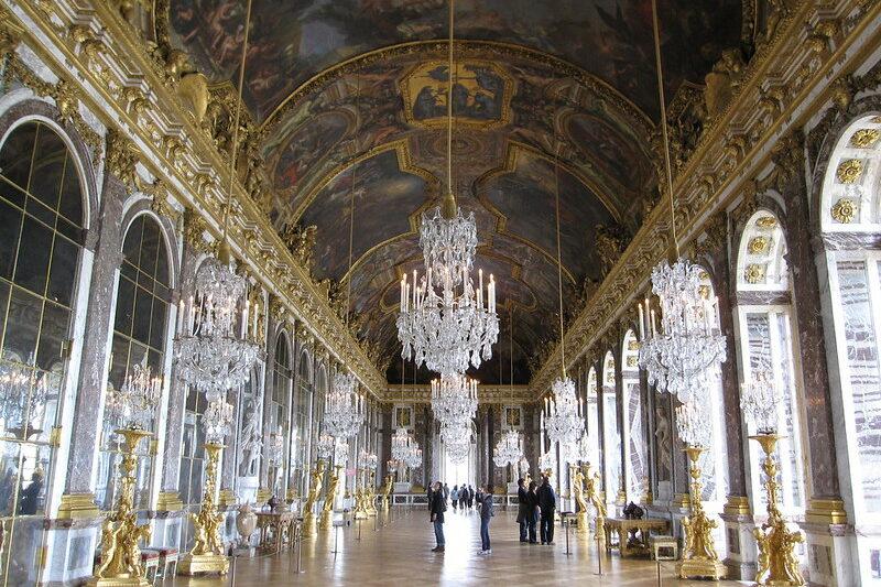 Galerie des glaces au château de Versailles - Portrait de métier #6 – Chargée d'études documentaires et d'inventaire